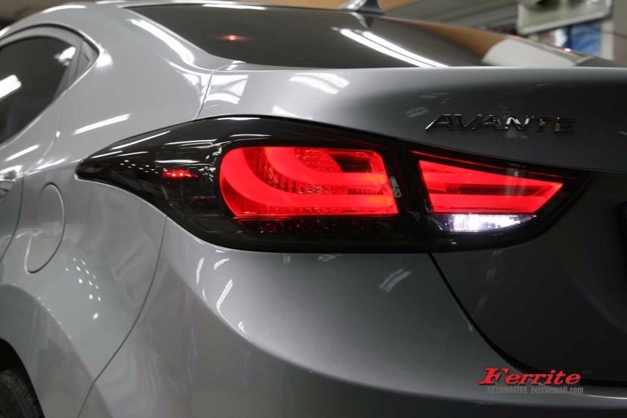 아반떼MD BMW 스타일 면발광 테일램프 블랙에디션 버전 시공